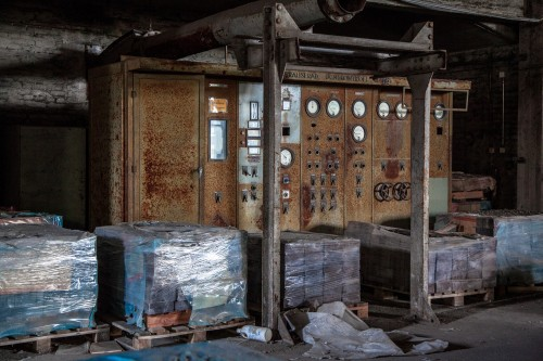 abandoned_factory-meters-1531123_1920.jpg